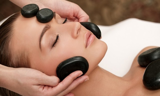 hot-stone-massage face